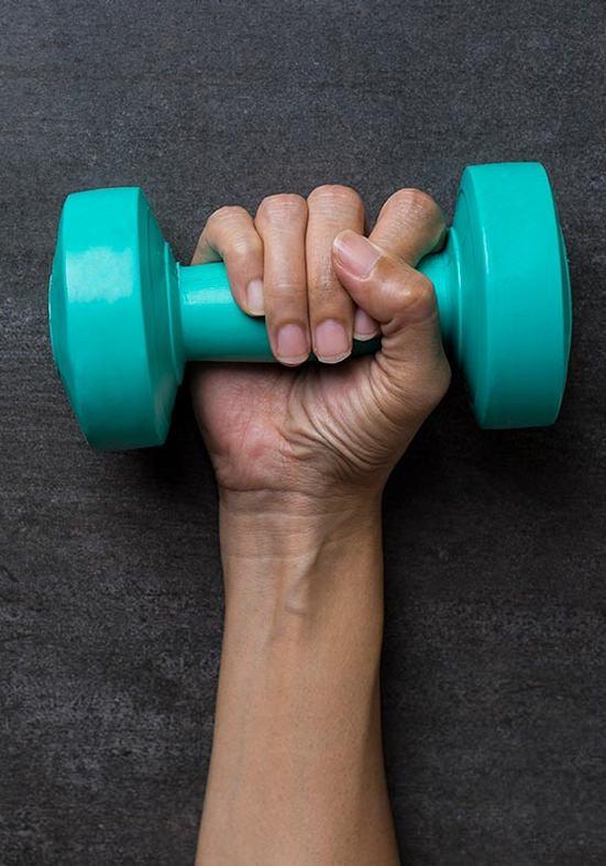 Tenho tendinite, posso fazer musculação?