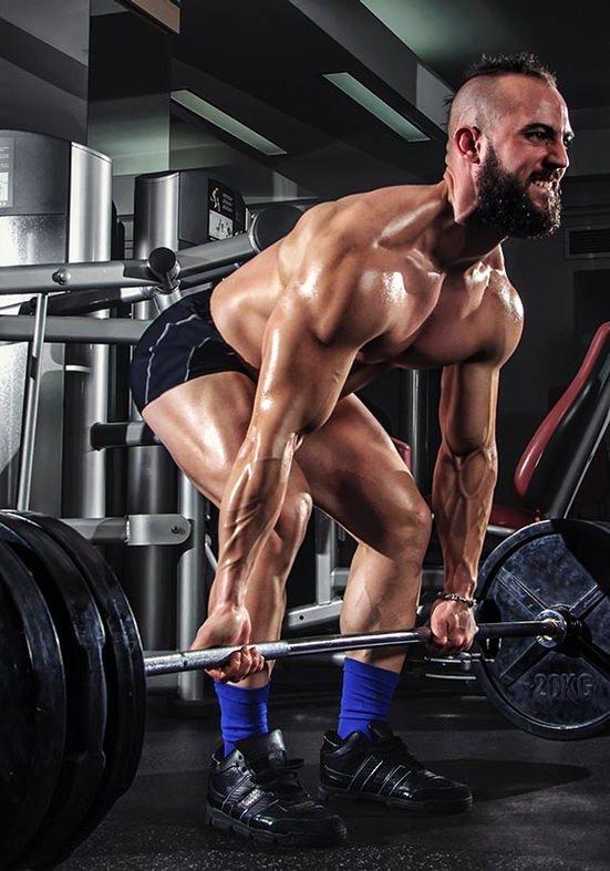 Cuidado com o excesso de peso no treino!