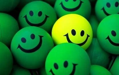 Estar feliz é diferente de estar alegre